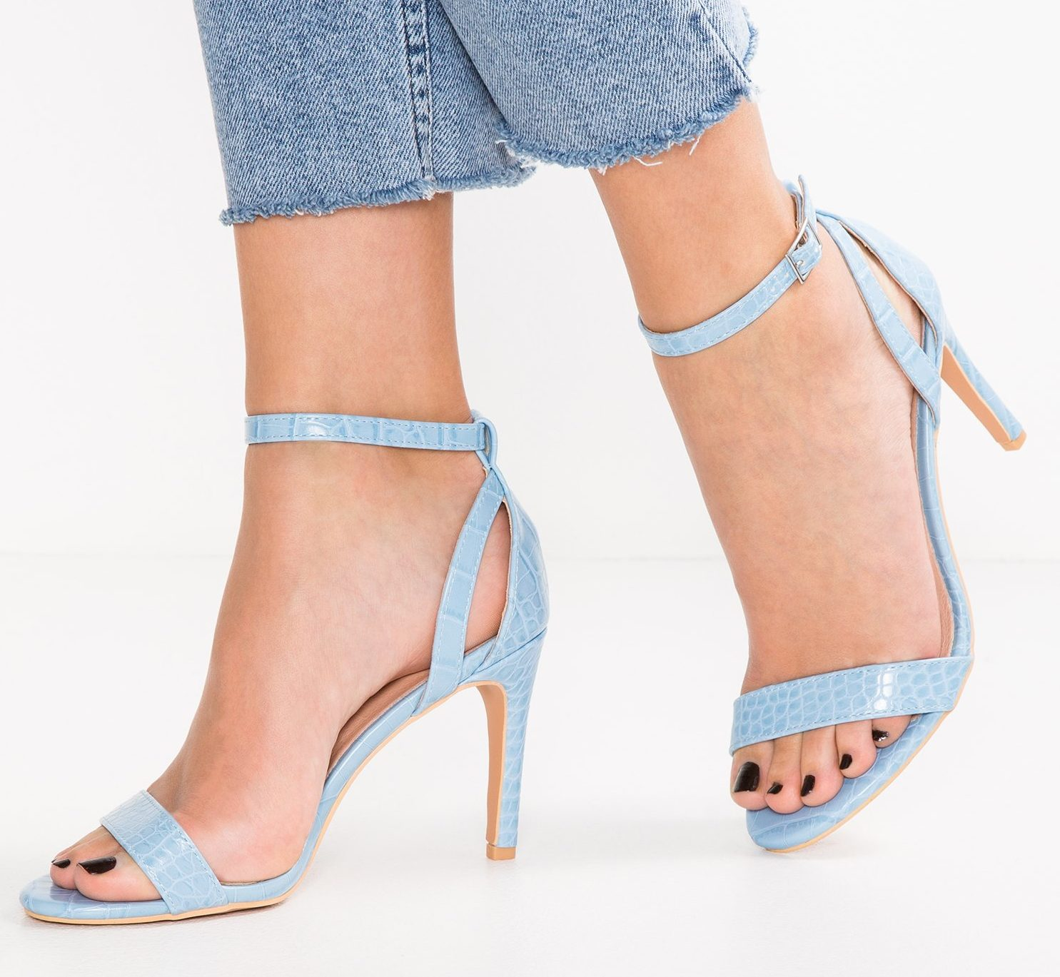 b91f3eb9a78 Betsy Mid Heel Sandal – Divine Boutique